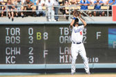 ANDRE ETHIER catches a deep fly ball in right field during the game — Stock Photo