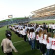 The Earthquakes and the Galaxy take the field before the Major League Soccer game — Stock Photo