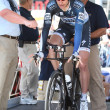 Jens Voigt gets ready to ride his time trial throughout downtown Los Angeles — Stock Photo