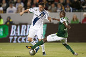 Robbie Keane and Hanyer Mosquera during the Major League Soccer game — Stock Photo