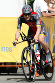 Levi Leipheimer rides the time trial through out downtown Los Angeles — Stock Photo