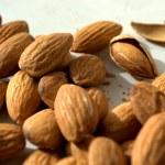 Постер, плакат: Almonds