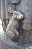 Rabbit on the pedestal of the monument — Stock Photo