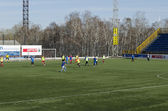 "Friendly game between veterans and teenagers from football club ""Baikal"". Irkutsk — Stock Photo"