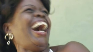 Portrait of happy african american adult woman laughing for joy — Stock Video