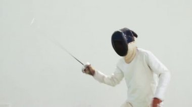 Olympic sports. Fencing duel. — Stock Video