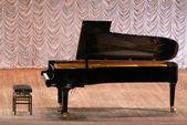 Kuyruklu piyano — Stok fotoğraf