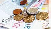 Para euro sikke ve banknot arka plan — Stok fotoğraf