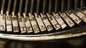Eine nahaufnahme der alten schreibmaschine schlüssel — Stockfoto