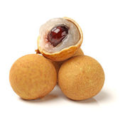 Longan - fruits exotiques sur fond blanc — Photo