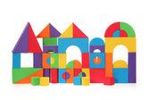 从孤立在白色背景上的颜色块的玩具城堡 — 图库照片