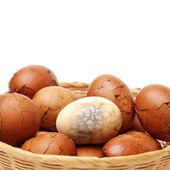 Tea Leaf Eggs in basket — Stock Photo