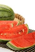 Watermeloen op dienblad — Stockfoto