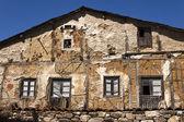 Facciata della vecchia casa — Foto Stock