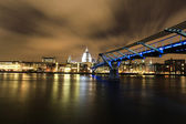 Amazing view of London at night — 图库照片