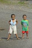 Filipinli çocuklar tutum ile — Stok fotoğraf
