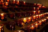 Kaarslampjes in de kathedraal — Stockfoto