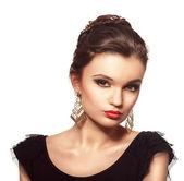 Portrait of beautiful fashion brunette woman — Stock Photo