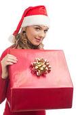 Femme de santa avec boîte-cadeau — Photo