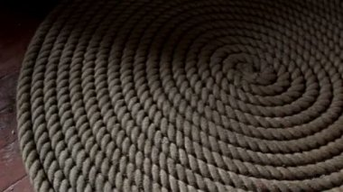 A roll of big rope on the floor — Stock Video