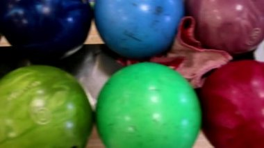 Several bowling balls in set — Stock Video