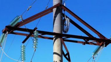 Cable wires on the power post — Video Stock