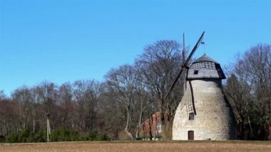 An ancient type of windmill — Video Stock
