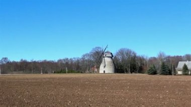 The old windmill in the country — Stock Video