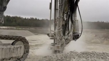 Drilling a part of the rock — Stock Video
