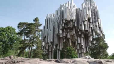 A big Sibelious monument from Finland FS700 Odyssey 7Q — 图库视频影像