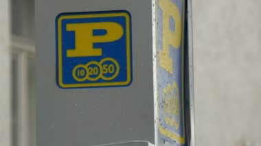 A big letter P or parking sign in the streets GH4 — Stock Video