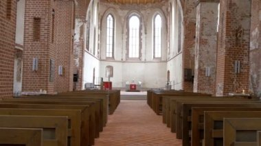 The view inside the big church in Tartu  GH4 — Vídeo de Stock