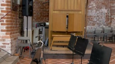 The music area of the church in Tartu GH4 — Stock Video