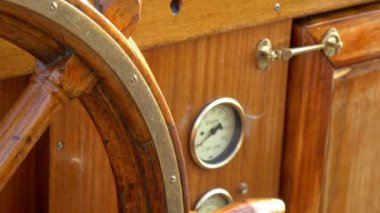 Details of the old-style steering wheel of the galleon ship GH4 4K UHD — Stock Video
