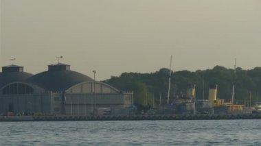 Do přístavu či přístavu v Tallinnu Estonsko gh4 4 k uhd — Stock video