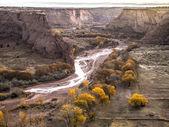 высокий угол выстрел из скал и реки — Стоковое фото
