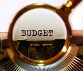 """Budget"" is printed on the typewriter. — Foto de Stock"