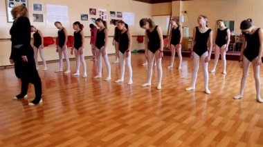 Ballet girls with a Teacher — Vídeo de stock