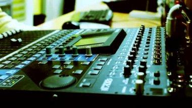 Televisie, audio-mixer bestuur — Stockvideo