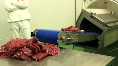 Butchers in action,raw meat , fresh pork, butcher meat chips — Stock Video