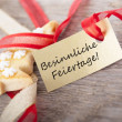 Tag with Besinnliche Feiertage — Stock Photo