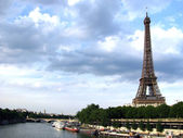 Eiffel Tower river — Stock Photo