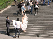 Wedding photo shoot in the Basilique Sacre-Cour — Stock Photo