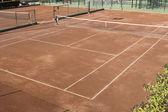 Kort tenisowy powierzchni gliny. zabrudzenia powierzchni kort — Zdjęcie stockowe