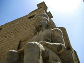 Sitting Rameses II Colossus inside Luxor Temple — Stock Photo