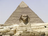 The Sphinx and Chephren Pyramid Gizeh Egypt — Stock Photo