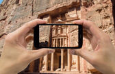 Taking photo on mobile of Petra — Stock Photo
