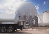 Natural Gas Tank and filling up to truck — Stock Photo