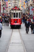 Taksim Istiklal Street is a popular tourist destination in Istanbul. — Stockfoto