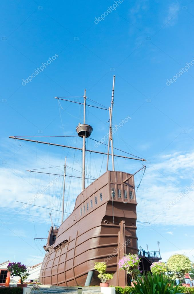 Historical Warship at Malacca, Malaysia — Stock Photo #21250287